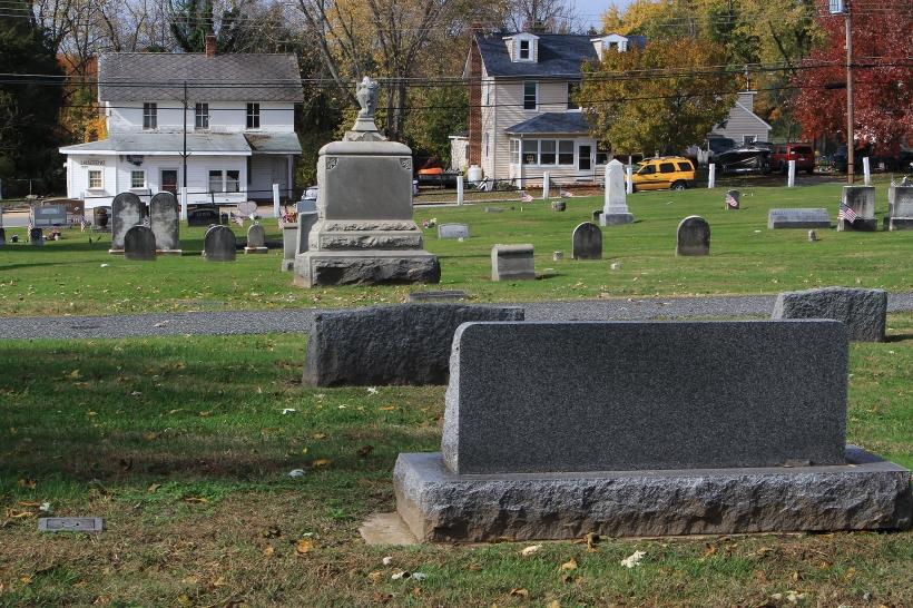 Jon.&Sarah grave & store